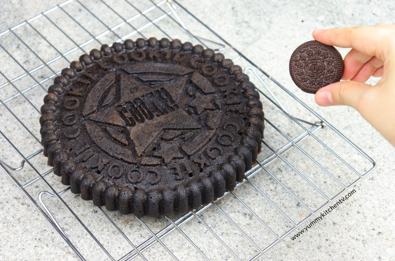 Oreo Cookie Cake (with just 3 ingredients)